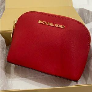 NEW!!!! Never used!!MICHAEL KORS MINI TRAVEL CASE